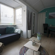 Strandhuis Jans! Cozy Cottage Located 2 Minutes Walk From the Beach
