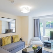 Arabella Apartment, Cottrell Park Golf Resort