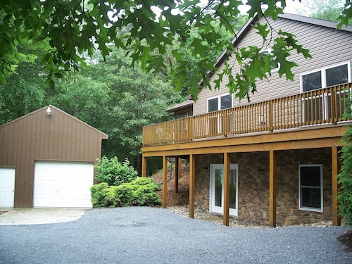 Wooded Setting, Central Air, Internet, Seven Points Marina Within 5 Miles