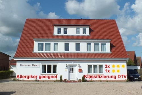 Haus Am Deich 3 - Apartment With sea View