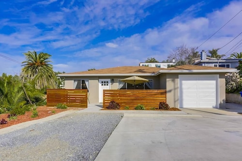Newly Remodeled Charming Solana Beach Home