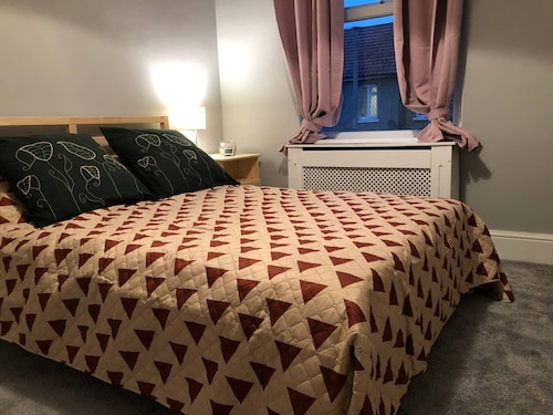 Double bedroom near Heathrow