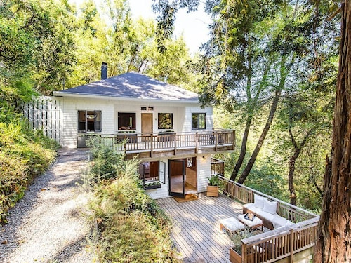 Serene Mill Valley Gem in the Redwoods