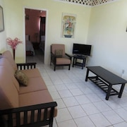 Ellen Bay Cottages Offers 1 Bedroom Studios And 2 Bedroom Apartments For Rent