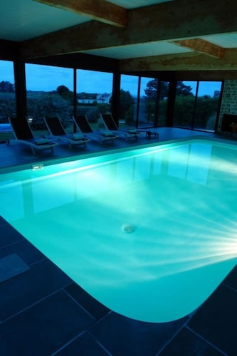 Inland Pool Swimming Pool Heated 30 ° in Sibiril | Hotel ...