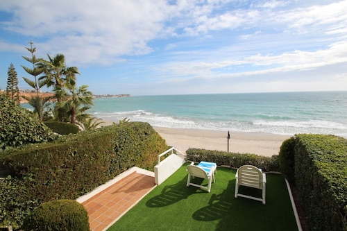 Villa in Aguamarina With sea Views 50m From the Beach in Dehesa de Campoamor