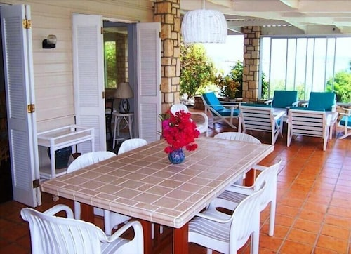In-Room Dining, Antigua Oceanfront Retreat