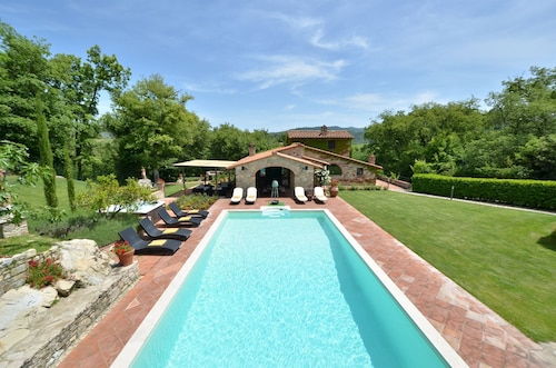 Sestuccia is a Beautiful Tuscan Villa Just a Short Distance From Gaiole in Chianti