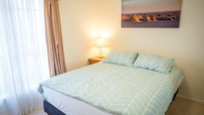 5 bedrooms, iron/ironing board, free WiFi, linens