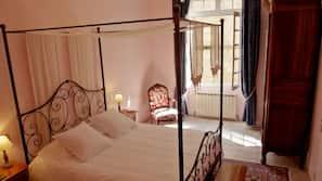 1 chambre, fer et planche à repasser, Wi-Fi gratuit, draps fournis