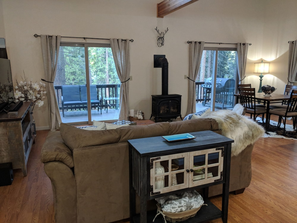 Living Room, Lodge at the Lake Near Pinecrest/dodge Ridge Wifi