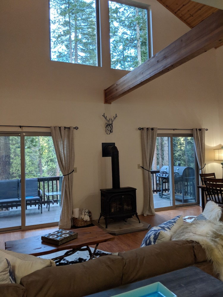 Room, Lodge at the Lake Near Pinecrest/dodge Ridge Wifi
