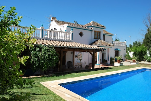 Four Bedroom Holiday Villa Close to the Beach & Center of Marbella