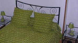 2 chambres, fer et planche à repasser, lits bébé, accès Internet