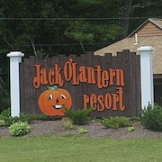 Jack O' Lantern Res White Mtns Minutes to Loon. Prices Just Reduced for Season