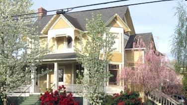 Distinctive Accommodations in Historic McMinnville