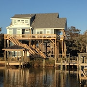 Great Family Home in Quiet Development! Great View From the Dock or Deck!
