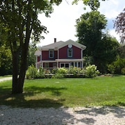 Gorgeous Historical 7 Bdrm House in the Greenport Area for Bachelorettes
