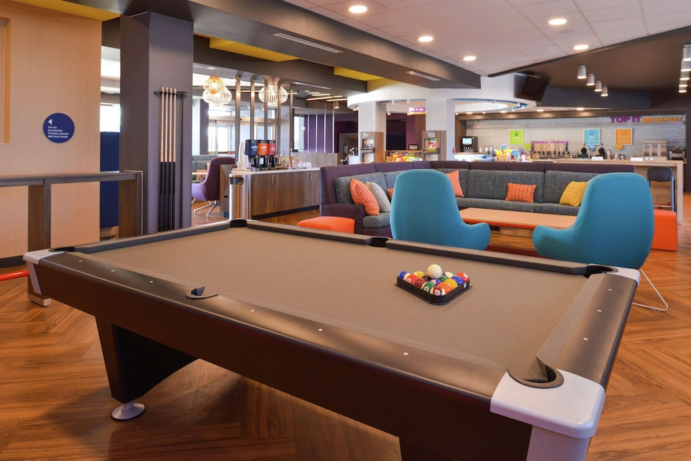 Billiards, Tru by Hilton Coppell DFW Airport North