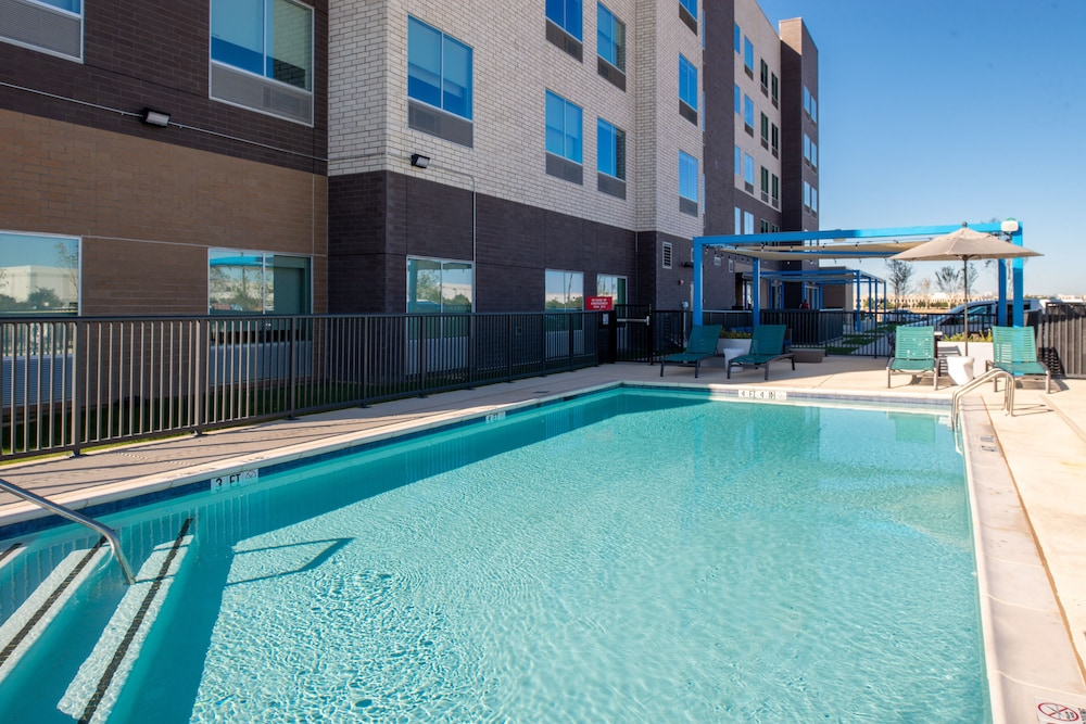Outdoor Pool, Tru by Hilton Coppell DFW Airport North