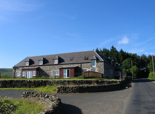 Ettrick View - A Beautiful 7 Bedroom House, Sleeping up to 16
