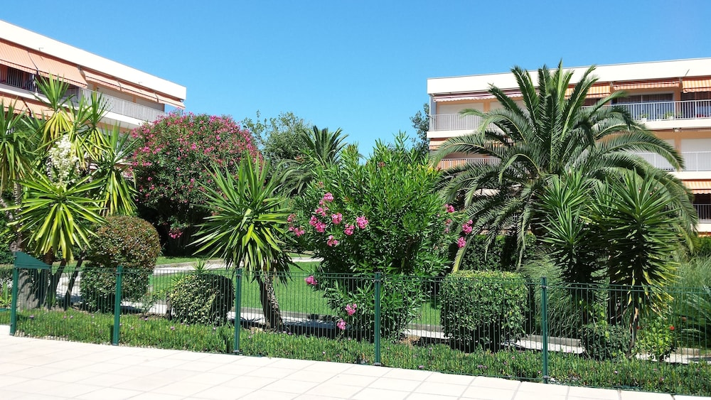 Property Grounds, Antibes Residence With Pool, Tennis, Very Large Terrace, Garden, Prox sea