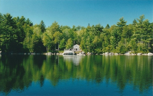 Private Cottage On The Lake