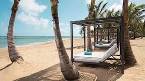 Spiaggia privata, sabbia bianca