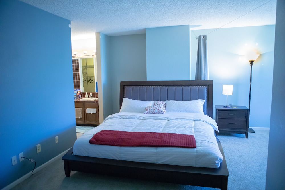 Clean Pretty 400 Bedrooms 40 Beds 40040baths With 1406mbps Wifi For Inspiration Clean Bedrooms