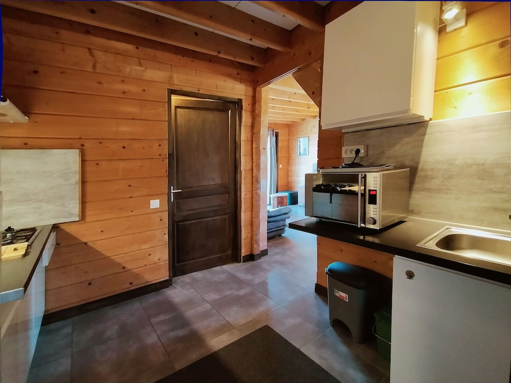 Private Kitchen, Cottages to Orient - Champagne Chalet