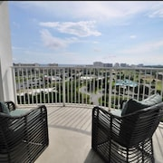 Top Floor Luxury Penthouse Condo With Ocean and Bay View