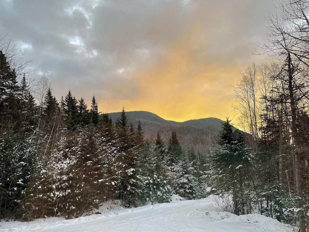 Snow and Ski Sports, Black Mtn/ Jackson NH Private -On Hike Trails ,swim, Golf, Fish, Mtn Bike Relax