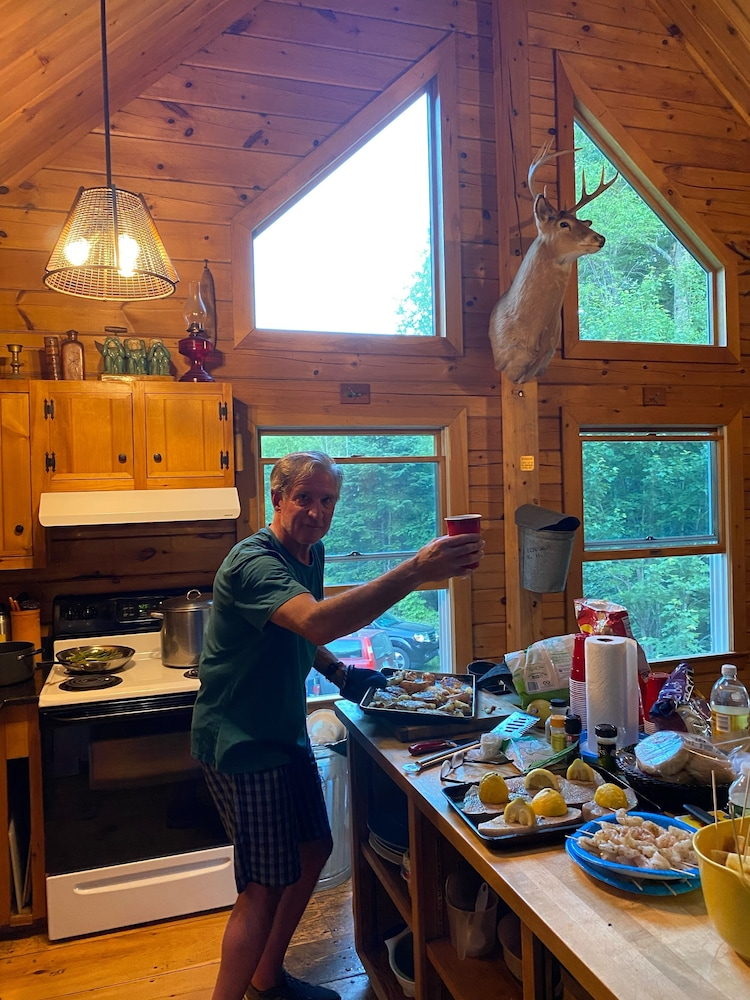 Private Kitchen, Black Mtn/ Jackson NH Private -On Hike Trails ,swim, Golf, Fish, Mtn Bike Relax