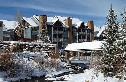 Updated Condo; Ski-in; Walk To Gondola or Downtown; Hotel-style Amenities