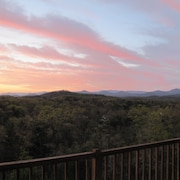 40+ Mile Mountain Sunset View Near Murphy Riverwalk, Casino, Folk School, Pet OK