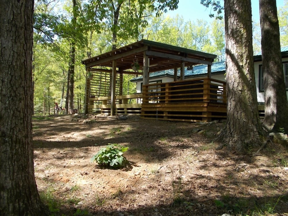 Property Grounds, Caddo River Crossing Cabin C/D - River View and Acccess