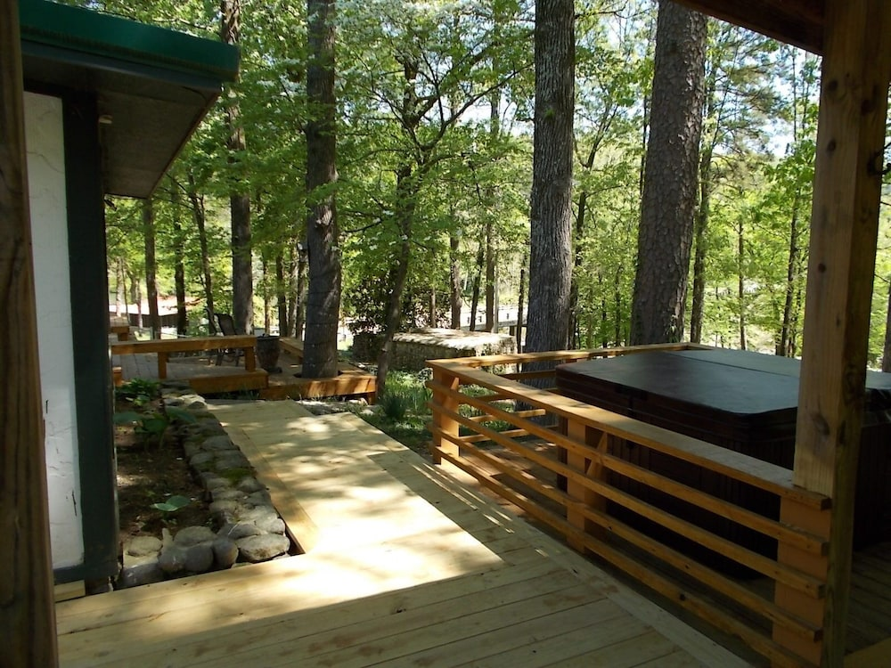 Balcony, Caddo River Crossing Cabin C/D - River View and Acccess