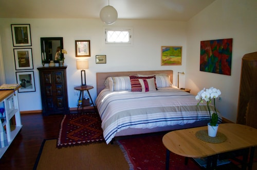 Charming And Quiet Studio Getaway Located Between Monterey And Santa Cruz