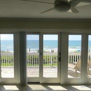 3BR Oceanfront Townhouse w/ Amazing View, Pool, Fully Stocked Kit, Wifi & More