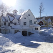 Stratton Mountain Resort Solstice Luxury 5 Bedroom Ski-in/out Vacation Home