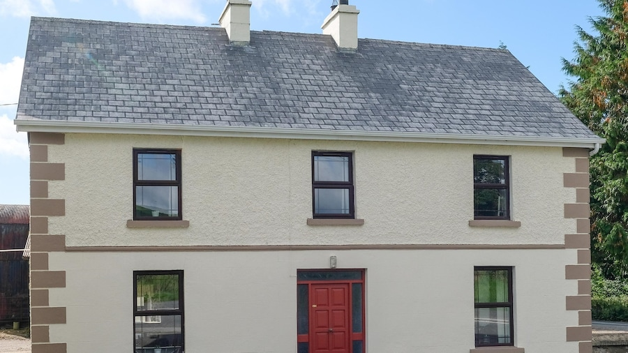 Garadice View Farm House - 6 Bed accommodation