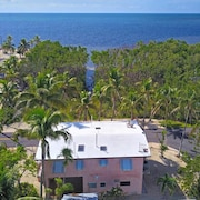 KEY Largo Waterfront Paradise, Sleeps 4, Free Wifi Quiet Private Home