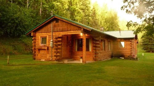 Alaskan Cabin Featured on Discovery & History Channel