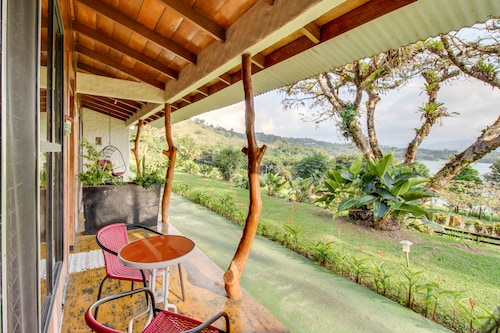 Dog-friendly Arenal Cabana w/ Lake Views, Shared Pools, & an On-site Restaurant