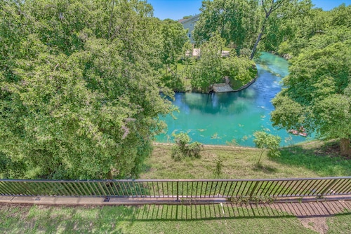 Best New Braunfels Condo Rentals in 2019: Cheap $58 Vacation