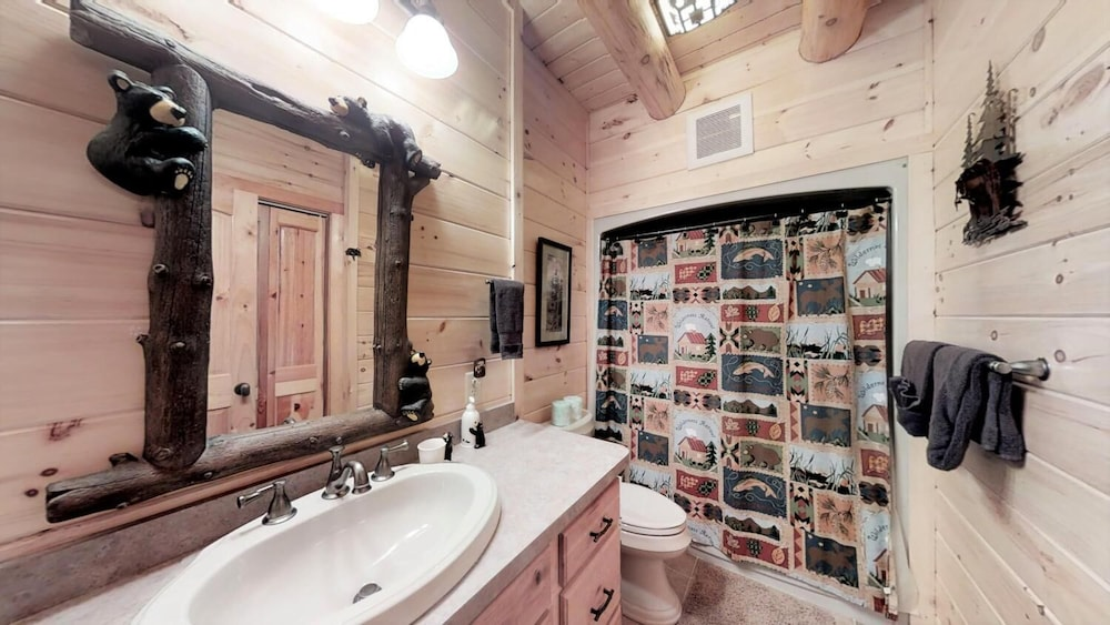 Bathroom, Soaring Eagle Lodge