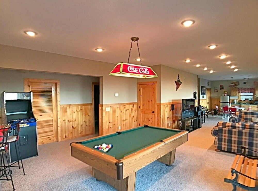 Game Room, Soaring Eagle Lodge