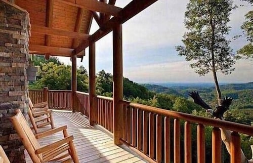 Balcony, Soaring Eagle Lodge