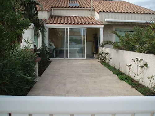 Beautiful Holiday Villa, Ideal for a Relaxing Holiday, Located 10 Minutes From the sea