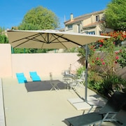Large Charming Cottage in Carpentras , Calm of the Countryside